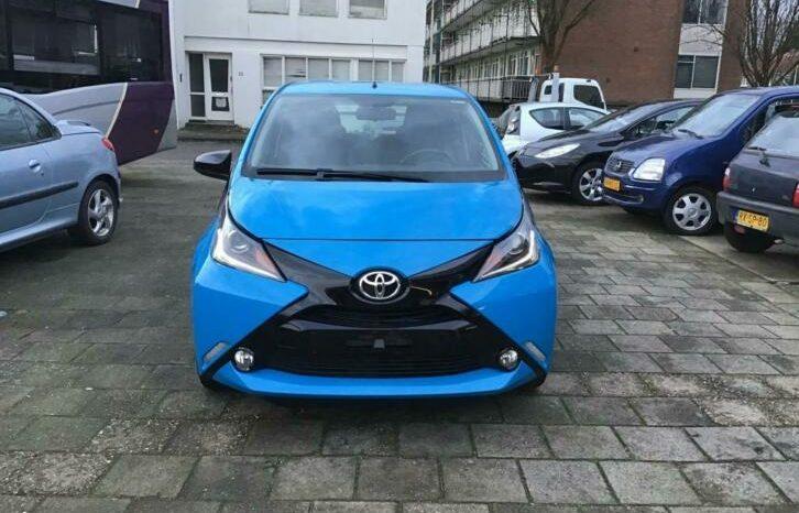 Toyota Aygo 1.0 VVT-i x-play vol